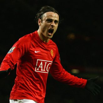 MANCHESTER, UNITED KINGDOM - JANUARY 11:  Dimitar Berbatov of Manchester United celebrates scoring his team's third goal during the Barclays Premier League match between Manchester United and Chelsea at Old Trafford on January 11, 2009 in Manchester, England.  (Photo by Alex Livesey/Getty Images)